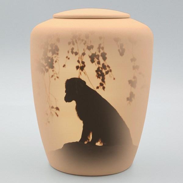 """Hundeurne mit Teelicht """"Hund auf Stein"""""""