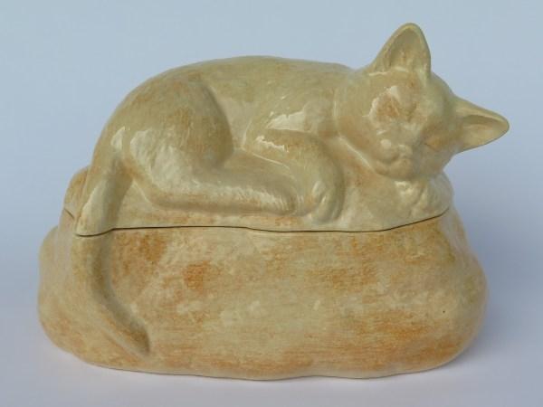 """Katzenurne schlafende Katze """"Lotte"""""""
