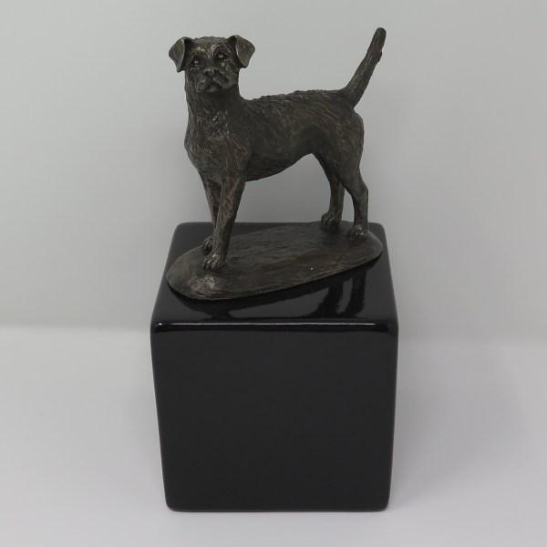 Border Terrier Urne Designurne