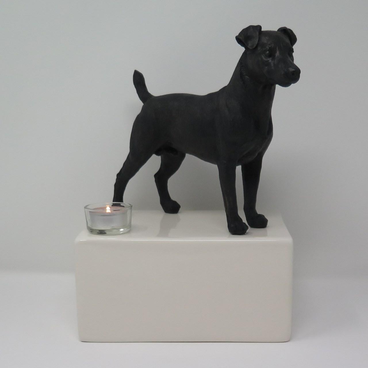 Jack Russel Urne mit großer Bronzefigur und Teelicht