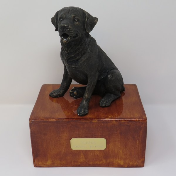 Labrador Urne Designurne
