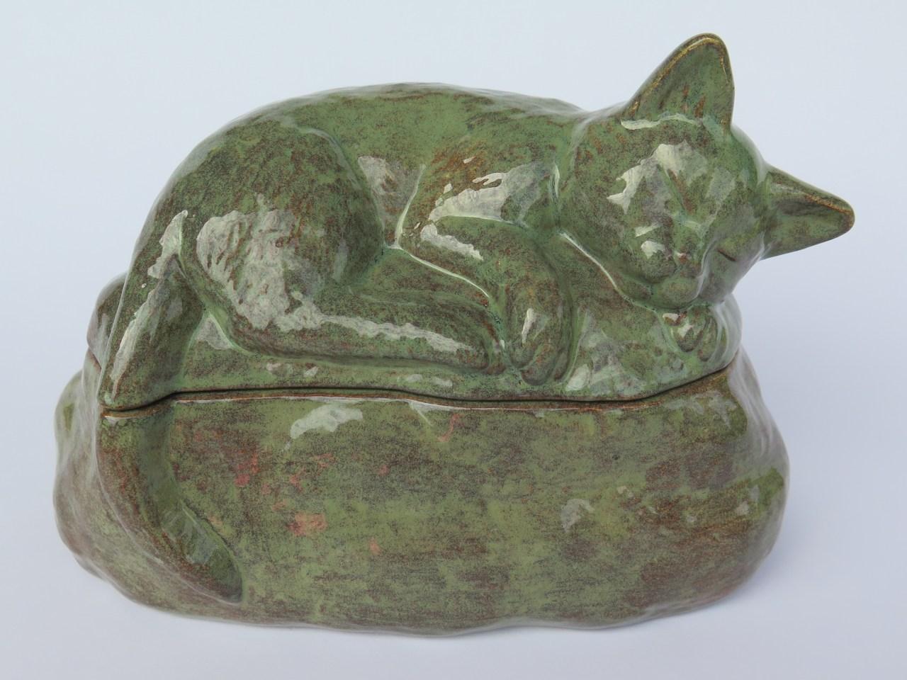"Katzenurne schlafende Katze ""Merle"""