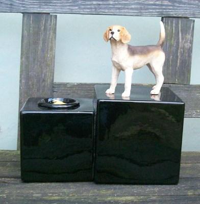 Beagle Urne mit Kerze