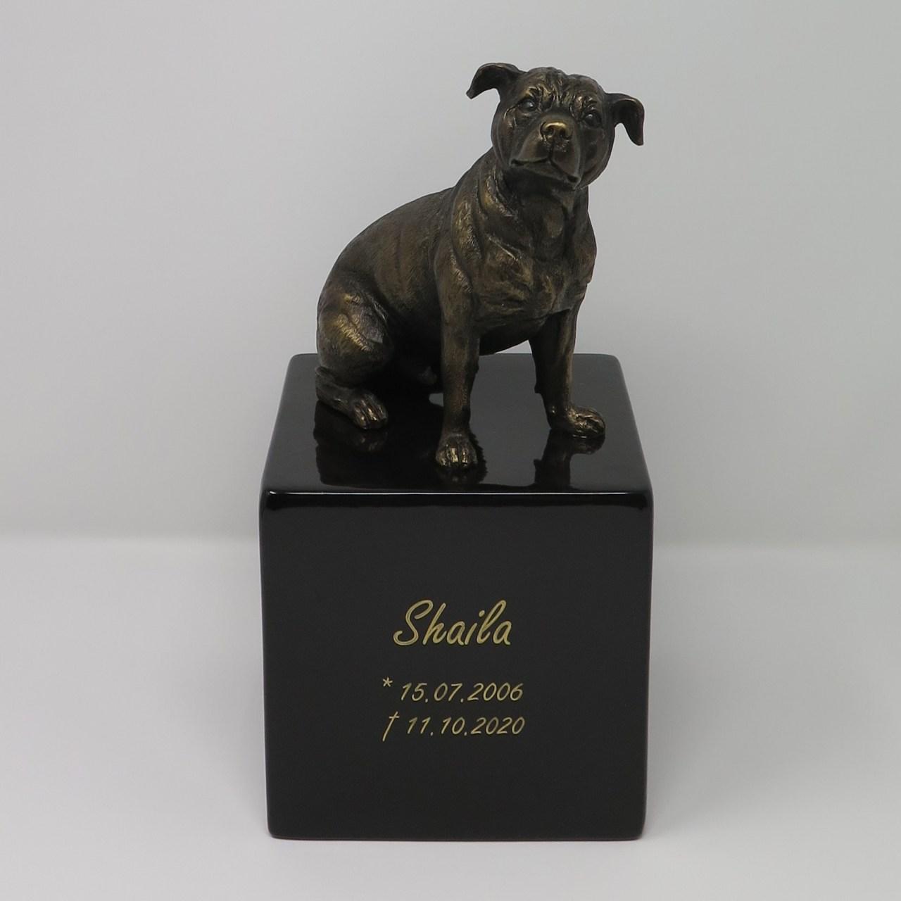 Staffordshire Terrier Urne Designurne